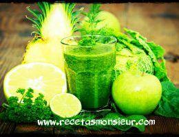 Batido verde saludable de manzana espinacas apio con Monsieur Cuisine fácil de hacer